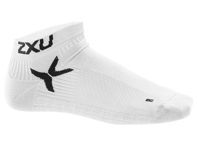 2XU Performance Hardloopsokken Heren Low Rise wit